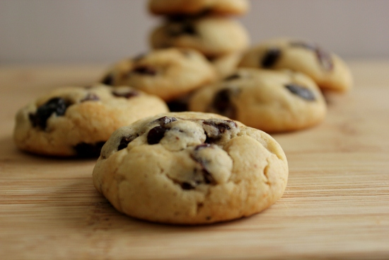 Soft Raisin Cookies (550x367)