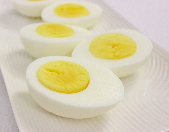 Hard Boiled Eggs (550x430)