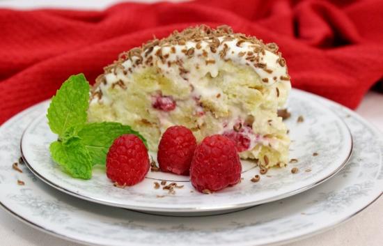 Raspberry Piece of Cake Cake (550x353)
