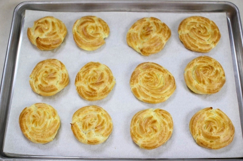Cream Puff Rosette Pastries baked
