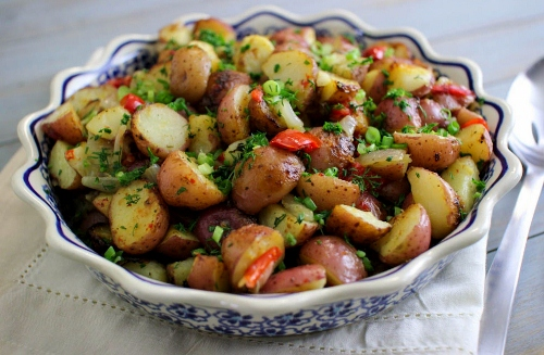 roasted potatoes with pepper and shallot (500x327)