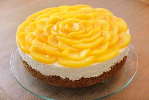 Three Cheese Cheesecake With Peaches