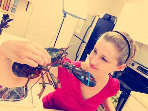 Eye to Eye With Mr. Lobster (500x375)