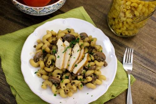 Creamy Mushroom and Chicken Pasta (500x334)