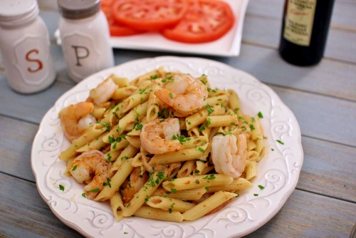 Penne With Creamy Tomato Vodka Sauce and Seared Shrimp (2) (500x334)