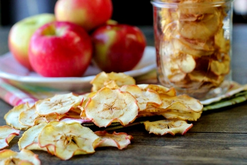 How To Dry Apple Chips in the Oven (500x334)