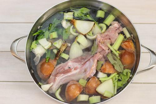 Roast Turkey and Gravy-1-2