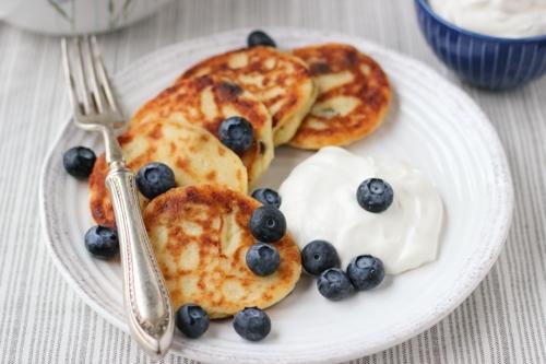 Sirniki (Russian Farmer's Cheese Pancakes)-1-4