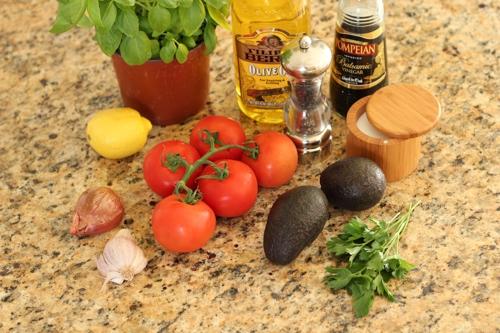 Tomato and Avocado Salad-1