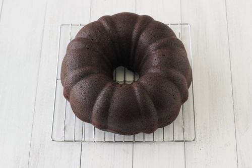 Chocolate Sour Cream Bundt Cake-1-14