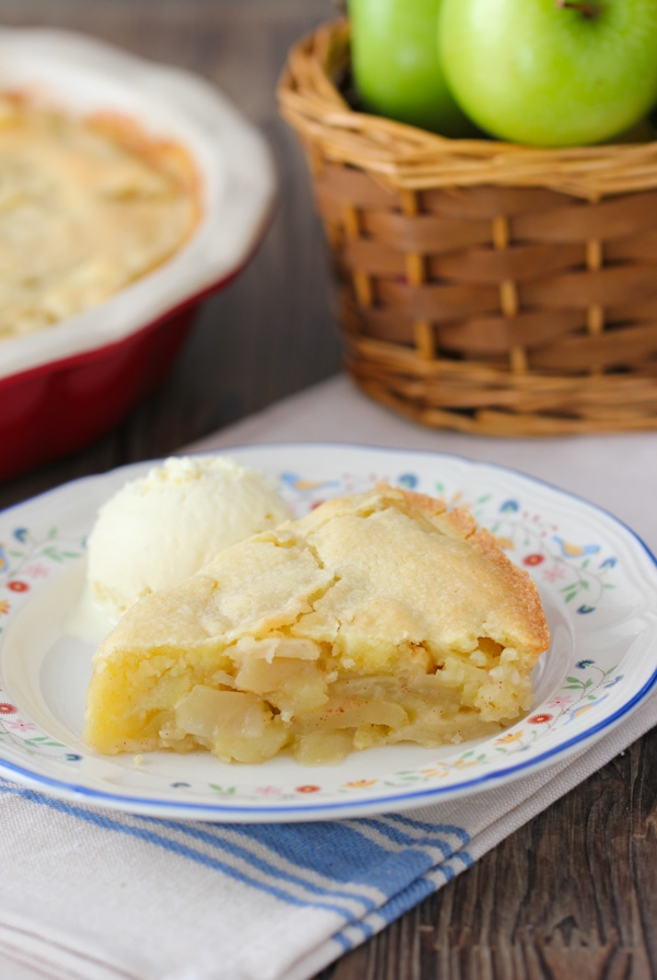 Swiss Apple Pie - apple pie with the easiest crust